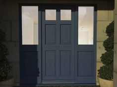 A special designed door for large entrance having six panel which looks traditional and unique. This single front doors has sidelights which is half glazed and modern specification.
