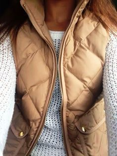 Autumn days can be difficult, wardrobe-wise. When it's chilly in the morning, warms up throughout the day. Puffer vests are a great option!