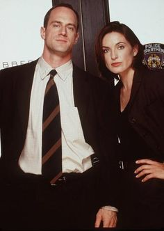 Mariska Hargitay and Christopher Meloni cast  picture from 1999