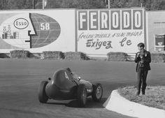 Tony Brooks Vanwall La Source 1958 Spa-francorchamps