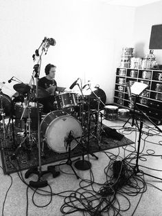 Matt Chamberlain :: in his studio playing his Craviotto Drums