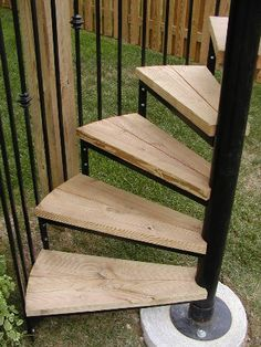 wooden outdoor circular staircase | Outdoor Spiral Stairs | rustic ...
