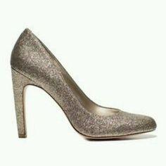 b7a472342b Round-toe Metallic Gold Sparkle Heel Pump US 7 Sparkle Heels, Gold Sparkle,