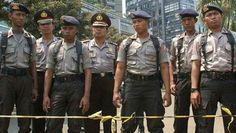 أعلنت الشرطة الاندونيسية اليوم الخميس عن مقتل المهاجمين الذين قام بالتفجري وانتهاء الهجمات التي وقعت في العاصمة جاكرتا . ونتج عن هذه التفجيرات مقتل