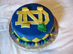 Notre Dame graduation cake