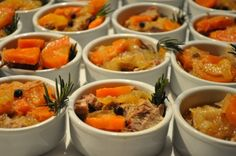 MONDONGO EN ESCABECHE Pot Roast, Finger Foods, Mashed Potatoes, Curry, Appetizers, Meat, Chicken, Ethnic Recipes, Spanish Food