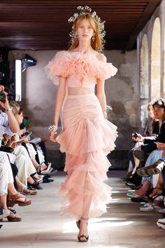 Défilé Rodarte Printemps-été 2018 Prêt-à-porter - Madame Figaro | Fashion inspiration