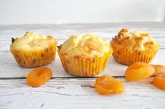 Apricot Yoghurt Muffins Coconut Flour Bread, Organised Housewife, Homemade Muffins, Baking Muffins, Diet Desserts, Cake Ingredients, Muffin Recipes, Cupcake Recipes, Meals