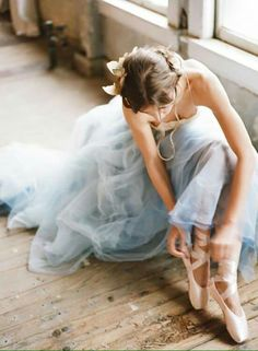 ballet photography of ballerina in blue chiffon tutu and pointe shoes Dance Photos, Dance Pictures, Ballet Pictures, Dance Images, Ballet Dancers, Ballet Shoes, Ballerinas, Pointe Shoes, Ballerina Dancing