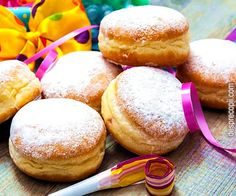 9 retete de gogosi pufoase Romanian Food, Romanian Recipes, Food Cakes, Easy Desserts, Doughnut, Feta, Donuts, Slow Cooker, Foodies