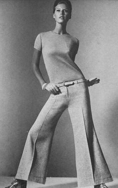 Vogue October 1965 Birgetta af Klercker Photo by Horst. 60s And 70s Fashion, 60 Fashion, Fashion Wear, Fashion History, Retro Fashion, Fashion Models, Fashion Beauty, Vintage Fashion, Mode Vintage