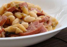Receita de Feijão Branco com Alho, Salsichas e Ovo - Receitas Já, rapidas, faceis e simples Culinária para todos!!!