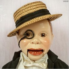 I always wanted one. Vintage Mannequin, Mannequin Heads, Vintage Clown, Vintage Toys, Charlie Mccarthy, Old Fashioned Toys, Ventriloquist Dummy, Mc Carthy, Weird Toys