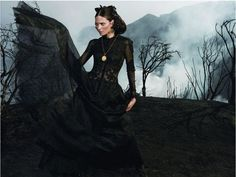 Label: Roberto Cavalli  Campaign: Roberto Cavalli Peruvian  Model: Frankie Rayder  Photographer: Inez van Lamsweerde & Vinoodh Matadin  Season: 2008 F/W - Fall Winter