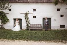 Hochzeit von ~ Julia & Thomas ~ in Niedersulz Wedding Locations, Wedding Photography, Wedding Dresses, Ideas, You Never Know, Floral Arrangements, Wedding Anniversary, Newlyweds, Photographers