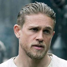 21 Of The Best Celebrity Men's Haircuts Of 2017 Charlie Hunnam Haircut Great Haircuts, Haircuts For Men, Men's Haircuts, Charlie Hunnam Haircut, Popular Hairstyles, Cool Hairstyles, Medium Hair Styles, Long Hair Styles, Mullet Hairstyle