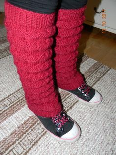 säärystimet | Käsitöitä ja Puutarhanhoitoa Boot Cuffs, Knit Or Crochet, Hobbies And Crafts, Leg Warmers, Fingerless Gloves, Pink Girl, Birkenstock, Uggs, Knitting Patterns