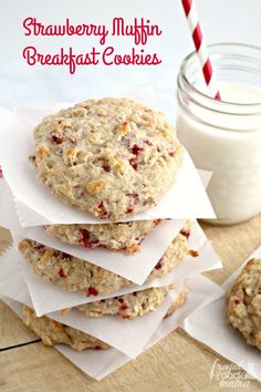 You only need 4 simple ingredients & just 25 minutes to whip up these filling & budget friendly Strawberry Muffin Breakfast Cookies. #SaveALotInsiders #ad