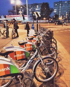 Łódzki rowerek publiczny zawital na rondo powstańców #lodz #bike prawie jak w wawie :p http://www.madziala.pl