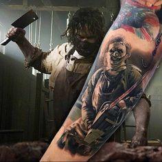 Photo by (thelastbesttattoo) on Instagram | #horror #horrortattoo #leatherface #creepy #terror #horrorfilm #colortattoo #realistictattoo #texaschainsawmassacre #lamatanzadetexas #hollywood #80s #2018 #march #artists #tattoo #tattooartmagazine #tattooartist #ink #inked #inkedmag #thebesttattooartists #thebestspaintattooartists #tattoorealistc Horror Tattoos, Movie Tattoos, Color Tattoo, I Tattoo, Chucky Tattoo, Texas Chainsaw Massacre, Serial Killers, Horror Movies, Tattoo Artists