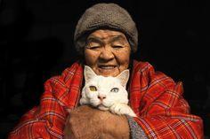 突然の別れ…あのおばあちゃんと白猫の写真が、今再び話題に。 | Share News Japan | ページ 2