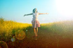 As afirmações fazem maravilhas. Elas acalmam nosso corpo, mente e espírito, ajudam nos libertar das doenças, do estresse, e nos dã...