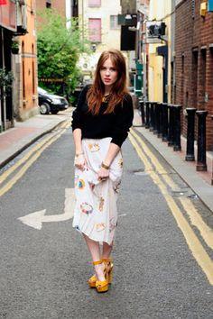 Why Irish TV presenter Angela Scanlon Is Our Newest Girl Crush Modest Fashion, Love Fashion, Angela Scanlon, New Girl, Latest Fashion For Women, Girl Crushes, Everyday Fashion, Yellow Shoes, Fashion Updates