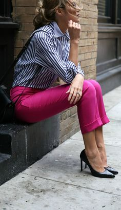 How to wear bright colors at the office with these fuchsia pink pants, navy and white striped boyfriend shirt and classic black pumps! Source by maryorton pink Pink Pants Outfit, Hot Pink Pants, Red Pants, Navy Pants, Workwear Fashion, Nyc Fashion, Work Fashion, Workwear Clothing, Workwear