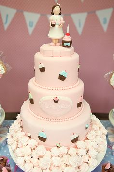 A Cupcake Theme: The Lovely Cake