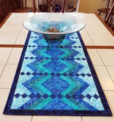 362 best table runners images in 2019 tablecloths table top rh pinterest com
