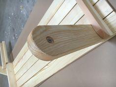 BATIKO ist die Gartentisch-Gartenbank-Kombination aus Naturholz geölt - Gartenmöbel mit Pfiff Folding Picnic Table Bench, Diy Picnic Table, Picnic Table Plans, Wooden Bench Plans, Woodworking Projects Diy, Lanterns, Projects To Try, Home, Design