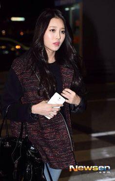 fуєαн유라 — 141028 Girl's Day Incheon Airport Yura