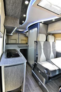 Sprinter Camper Conversion, Van Conversion Campervan, Sprinter Van, Van Conversion For Family, Van Conversion Interior, Camper Caravan, Camper Trailers, Auto Camping, Motorhome