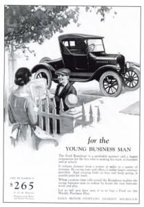 SOCIO-ECONOMIC: The Ford Model-T was the first vehicle designed for the common man. This weakened the socio-economic divide. Both aristocrats and farmers could afford a Model –T, and every model looked exactly alike. Roaring Twenties, The Twenties, 1920s Advertisements, Vintage Cars, Antique Cars, Vintage Photos, Autos Ford, Ford Classic Cars, Car Advertising