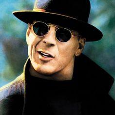 Bruce Willis in Hudson Hawk wearing Oliver Peoples Vintage sunglasses