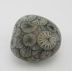 Drawings on Stone by Yoran Morvant