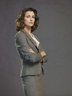 Blue Bloods season 6: ADA Erin Reagan (Bridget Moynahan) Stunning Women, Beautiful Celebrities, Beautiful Ladies, Tom Selleck, Blue Bloods Tv Show, Bridget Moynahan, Celtic Women, Female Hero, Rachel Green