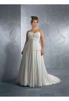 Plus Size High Low Wedding Dresses . 30 Plus Size High Low Wedding Dresses . 33 Plus Size Wedding Dresses A Jaw Dropping Guide Wedding Dress Patterns, Wedding Dress Styles, Wedding Attire, Bridal Dresses, Plus Size Wedding Gowns, Plus Size Dresses, Plus Size Outfits, Wedding Ideias, Designer Plus Size Clothing