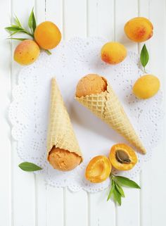 Recipe for Sparkling Apricot Sorbet (Desserts; Sorbet with sparkling wine, apricot and lemon. Slushies, Serving Size, Sorbet, Coffee Time, Sweet Treats, Ice Cream, Fruit, Desserts, Blog