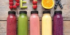 Daily detox drinks flush toxins, lose body fat reduce inflammation, boost energy and speed weight loss. Cleanse yourself with detox drinks. Dietas Detox, Body Detox Cleanse, Full Body Detox, Smoothie Detox, Detox Tips, Juice Smoothie, Juice Cleanse, Detox Juices, Juicing