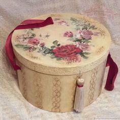 """Купить Шляпная коробка большая ,,Бархатный сезон."""" Винтажная в интернет магазине на Ярмарке Мастеров"""