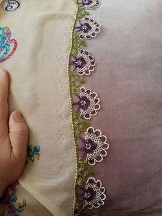 cicek-ortasi-boncuklu-igne-oyalari – Nazarca.com Crochet Edging Patterns, Dentelle Au Crochet, Needle Lace, Doilies, Needlepoint, Tatting, Elsa, Knit Crochet, Cross Stitch
