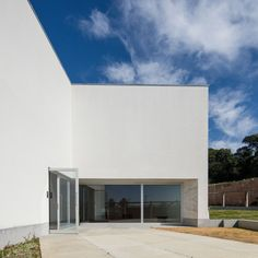 Álvaro Siza . Manuel Cargaleiro Arts Office . Seixal (4) Office Pictures, Building Images, Contemporary, Architecture, Gallery, Outdoor Decor, Home Decor, Art, Architects