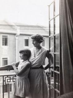 Марго c матерью (Хильда Фонтс Хукхем)  Шанхай Июнь 1931