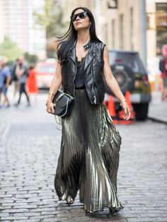 New York Fashion Week Spring 2017 Attendees Pictures New York Fashion Week Street Style, Spring Street Style, Street Fashion, Spring Fashion, Autumn Fashion, New Yorker Mode, Trends, Look Chic, Lace Skirt