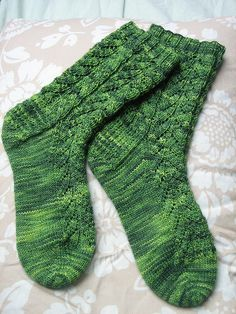 Ravelry: Cascading Leaves pattern by Jeanie Townsend Loom Knitting Patterns, Knitting Stitches, Free Knitting, Knitting Socks, Knitting Tutorials, Knitting Ideas, Stitch Patterns, Crocheting Patterns, Knit Slouchy Hat Pattern