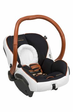 A lightweight infant car seat with a special-edition design is made in partnership with designer Rachel Zoe and inspired by the jetsetter lifestyle, paying homage to luxe vintage leather luggage. Gorgeous cognac leather and chunky goldtone hardware add an opulent look and perfectly complement the chic black-and-white fabric.The car seat features a padded five-point harness that can be adjusted without rethreading, making it easy to adjust as your baby grows.
