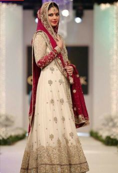 Beautiful Long bridal dress