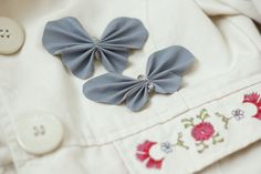 Kodin Kuvalehti – Blogit | Ruususuu ja Huvikumpu – Tee itse talven suloisin heijastin. Pelastajaperhonen loistaa pimeässä kauniisti! Diy And Crafts, Arts And Crafts, Butterfly Crafts, Fabric Flowers, Handicraft, Making Ideas, Projects To Try, Jewelry Making, Beads