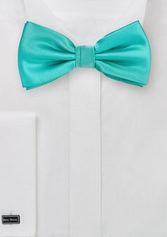 Solid Bow Tie in Bright Mint
